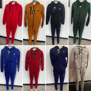 Nike Jogging Suits
